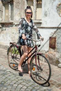 https://lamoda.pl/katalog/tag-sukienki-w-kwiaty